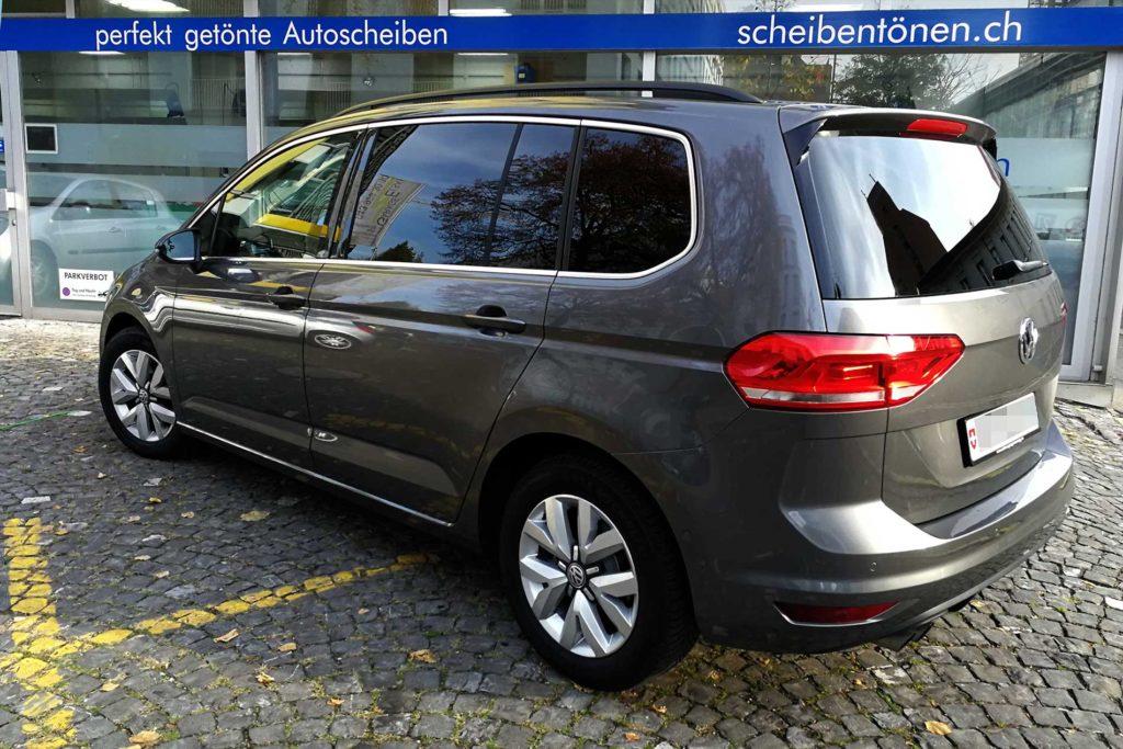 VW Touran mit getönten Scheiben